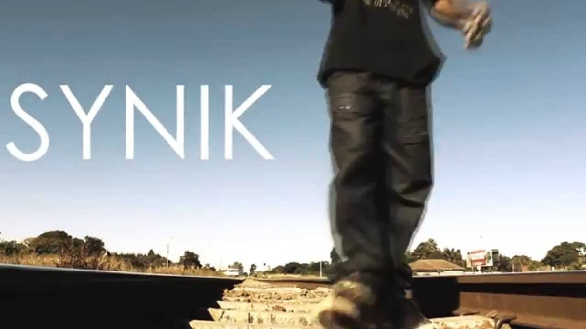 WHO IS SYNIK?